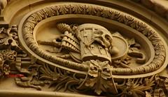 Palacio de Linares. Plaza de Cibeles. Madrid (Carlos Viñas-Valle) Tags: musica palaciodelinares cibeles medallon