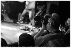 Cosmic Psychos @ Vera Mainstage (Dit is Suzanne) Tags: img0408 17072016 nederland netherlands   groningen ditissuzanne canoneos40d sigma30mmf14exdchsm veraclub cosmicpsychos mudhoney concert gig  availablelight beschikbaarlicht zwartwit blackandwhite  fotograaf photographer  views100