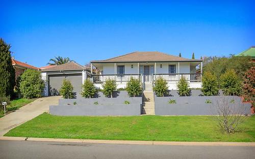 7 Orchard Way, Lavington NSW 2641