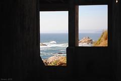 Ms all / Beyond (Javiera C) Tags: concepcin chile playa beach mar sea costa shore ventana window paisaje landscape rocas rocks agua water