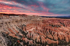 Sunset at Bryce Point (PIERRE LECLERC PHOTO) Tags: brycecanyon brycecanyonnationalpark utah usa travel landscape nature naturalwonder adventure roadtrip hiking southwest hoodoos sunset colors sky clouds pierreleclercphotography canon5dsr brycepoint scenic
