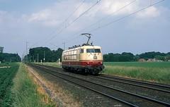 103 222  bei Krefeld - Forstwald  11.06.13 (w. + h. brutzer) Tags: krefeldforstwald eisenbahn eisenbahnen train trains elok eloks 103 e03 railway deutschland germany lokomotive locomotive zug db webru analog nikon