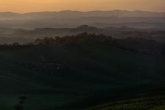 Today evening looking at Siena (Antonio Cinotti ) Tags: landscape paesaggio toscana tuscany italy italia siena hills colline campagnatoscana cretesenesi asciano nikond7100 nikon d7100 rollinghills sunset tramonto torreacastello nikon18300