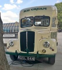 London 15 May 2014 005 (paul_appleyard) Tags: london ice nokia south may cream bank commercial morris dsl 925 2014 844 lumia dsl844