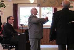 Dirigent und Klavierbegleiter