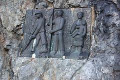 aux Travailleurs et leurs Epouses sacrifis (luka116) Tags: berg montagne schweiz switzerland suisse swiss svizzera moutain wallis barrage valais montagnes 2014 statut mattmark