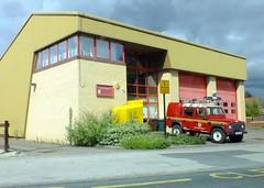 Kirkbymoorside Fire Station . (steven.barker57) Tags: uk red england building car station fire 4x4 yorkshire north engine rover east land service emergency tender services 999 kirkbymoorside thorntondalemoors13082014