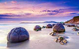 Jurassic | Moeraki Boulders, New Zealand