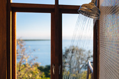 22 April, 17.08 (Ti.mo) Tags: africa architecture bathroom shower hotel interior lodge selected malawi april interiordesign f28 hotelroom lakemalawi mw 2014 iso125 mangochi 2ev southernregion pumulani  secatf28 ef40mmf28stm