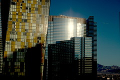 Las Vegas (LloydxxForster) Tags: vegas windows usa window architecture buildings design us cityscape desert lasvegas nevada casino veer highrise thestrip aria vidara veertowers mgmresorts