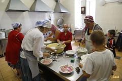 45.Помощники на кухне паломнической трапезной