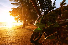 Chasing setting Sun (Amaninder hunjan) Tags: natgeo natgeotravel natgeotraveler nature ngc sunset ninja kawasaki bike bangkok beautiful beach travel thailand traveler thai trip roadtrip golden canon composition wide wideangle landscape