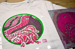NEW TERATO! (Teratoiid) Tags: teratoiid linocut engraving lino linogravure 3 colors couleurs tshirt scolopendre scolopendres centipede centipedes