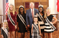 10-26-2016 Tri County Queens Proclamation Signing