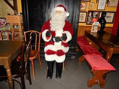 Poechenellekelder, Brussel (deltrems) Tags: poechenellekelder brussel brussels bruxelles pub bar inn tavern hotel hostelry house restaurant marionette puppet father christmas santa claus