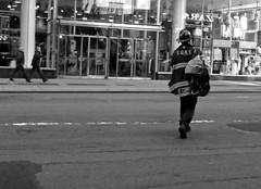 il lavoro e l'uomo - F.O.N.I. (mariarita.g) Tags: street ny newyork manhattan bn strade foni luomo lavoro 2014 pompiere vigiledelfuoco
