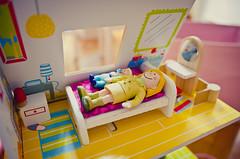 E buonanotte... (Rebel Yell 82nd) Tags: closeup casa nikon giochi bambole gioco imaginarium casetta bamboline d7000 sigma1835art