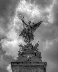 Angel (NickD71) Tags: london monument monochrome angel foundry gold memorial skies cloudy thomas palace victoria queen londres brock marble sir buckingham hdr burtons