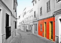 Fachada naranja. Calle de FERRERIES (José Hijano Comino) Tags: ferreries menorca calle callejon hdr illesbalears españa es nikoncoolpixs210 ©josehico