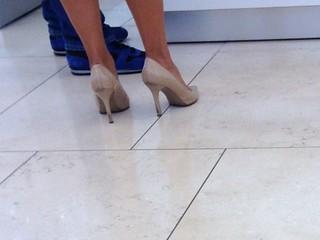 Sexy Pumps at the Mall