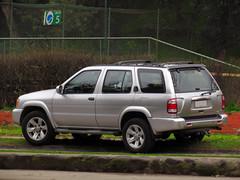 Nissan Pathfinder SE 3.5 2004 (RL GNZLZ) Tags: nissan 4x4 4wd suv v6 pathfinder se35