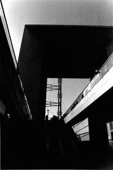 la grande arche (Con.StaNtiN) Tags: bw abstract paris france architecture noiretblanc minimal minimalism grandearche constrast abstractphotography minimalphotography