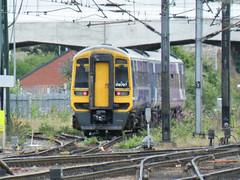 158797 Doncaster 200713 (Dan86401) Tags: 158797 class158 1580 sprinter supersprinter br brel dmu dieselmultipleunit northern doncaster 5w44 ecs expresssprinter