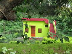 "Une petite maison à Rishikesh <a style=""margin-left:10px; font-size:0.8em;"" href=""http://www.flickr.com/photos/83080376@N03/15016709741/"" target=""_blank"">@flickr</a>"