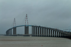 Pont de Saint Nazaire (DomSwiss) Tags: france saint eau bretagne ciel pont brume fleuve nazaire canon70d domswiss