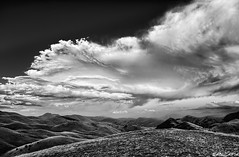 Esplosione in cielo / Explosion in the sky (Abulafia82) Tags: summer italy mountains nature montagne landscape italia estate pentax natura agosto handheld freehand sammy montagna manualfocus hdr highdynamicrange paesaggio k5 abruzzo laquila mounts 2014 manuale abruzzi campoimperatore samyang manolibera samyang14mm pentaxk5 samyang14mmf28edasifumc samyang14 samyang14f28 agosto2014 estate2014 sammy14