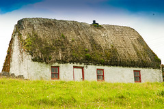 Irish Cottage (Tom Hannigan) Tags: desktop ireland red wallpaper vacation irish green fun islands cool colorful screensaver background awesome cottage peaceful backgrounds wallpapers aran hannigan screensavers