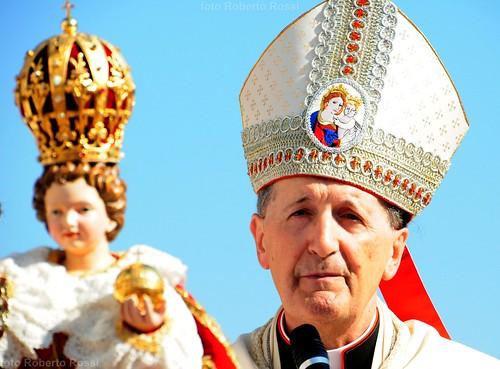 nikon vaticano corona tamron ritratto santuario mitra... (Photo: Cane Billi ® on Flickr)