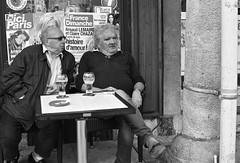 Arras caf (Bill Picquigny) Tags: people france caf sitting sit seated biere arras pelforth frenchcafe mendrinkingbeer