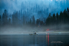 Boat Duty - Courtney Fire, Bass Lake (Darvin Atkeson) Tags: mountains forest fire smoke flames nevada courtney sierra helicopter inferno forestfire blaze firefighters basslake oakhurst wildfire darvin atkeson darv lynneal yosemitelandscapescom