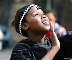 263-Se t !! (Ambrispuri) Tags: africa portrait woman black color girl smile look mouth mujer eyes retrato young capetown nia ornaments ojos sonrisa boca mirada negra joven brillo adornos sudafrica dulzura ambrispuri ciudaddelcavo