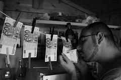 the money maker (Richard Twice) Tags: portrait people selfportrait money canon 350d scam soldi truffa canoniani