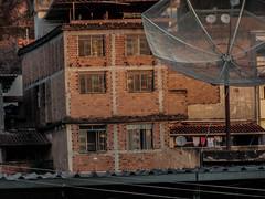 (andreidysbellizzi) Tags: nikon l810 day house contrução casa antena favela
