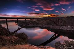 Ricobayo 20:00 (Paco Fuentes Vicario) Tags: puestadesol crepsculo ricobayo nubes ocaso reflejos esla muelasdelpan zamora puente