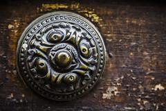 An old knob a little mistreated (Ignacio M. Jimnez) Tags: pomo knob puerta door hierro iron madera wood ubeda jaen andalucia andalusia espaa spain ignaciomjimnez