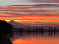 Sunrise with Mt. Hood and Columbia River in Washington (Jeff Hollett in Vancouver, WA) Tags: sunrise mthood columbiariver wintlerpark washington pacificnorthwest