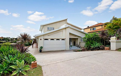 11 Stonehaven Way, Banora Point NSW 2486