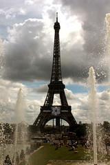 Eiffel (Almu_Martinez_Jimnez) Tags: pars paris francia france belleza luz lught notredame torreeiffel opera