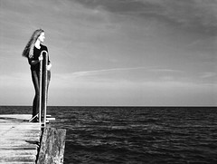 Malin (Juliet Alpha November) Tags: ilford delta 100 analogue analog film rollfilm medium format mittelformat 120 645 bw sw outdoor portrait portrt bridge steg baltic sea ostsee fehmarn fehmarnbelt beltretter jan meifert