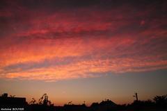 Couleur du ciel au petit matin (antoinebouyer) Tags: rouge temps lever météo ciel couleur sky cloud nuage matin