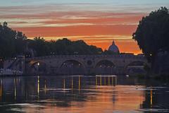 Buonanotte San Pietro / Goodnight Saint Peter (Rome, Lazio, Italy) (AndreaPucci) Tags: roma rome lazio italia italy sanpietro saintpeter pontesisto tiber tevere andreapucci canoneos60