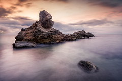 Roca del paller (pajavi69) Tags: roja d7100 nikon dawn amanecer colors 1224 filtros filters hitech nature nubes clouds holder graduated seascape cloudy mar sea marina waterscape paisaje landscape girona spain españa airelibre cielo sunset largaexposicion longeexposure le