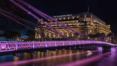 Cavenagh Bridge & The Fullereton Hotel (Stefan Sellmer) Tags: nightcapture longtimeexposure bridge fullertonhotel seaside reflections singapore outdoor asia singaporeriver architecture downtown singapur sg