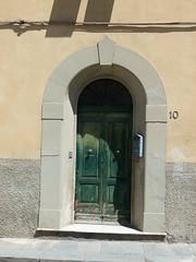 Tr in Pisa (solino_222) Tags: door italien italy puerta italia doors porta porte tr italie portone tren puertas portes portoni