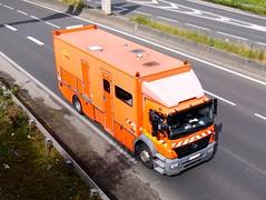 "MERCEDES Axor 1829 ""COLAS"" (Carrosserie Gruau) (xavnco2) Tags: orange france truck mercedes lorry camion mercedesbenz trucks picardie lkw somme 1829 autocarro axor"
