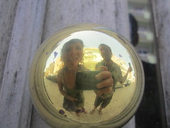 golden-research (LetsLetsLets) Tags: reflection golden lisboa dourado reflexo 2014 maçaneta junho